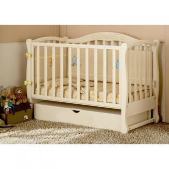 Детская кроватка с резьбой маятник